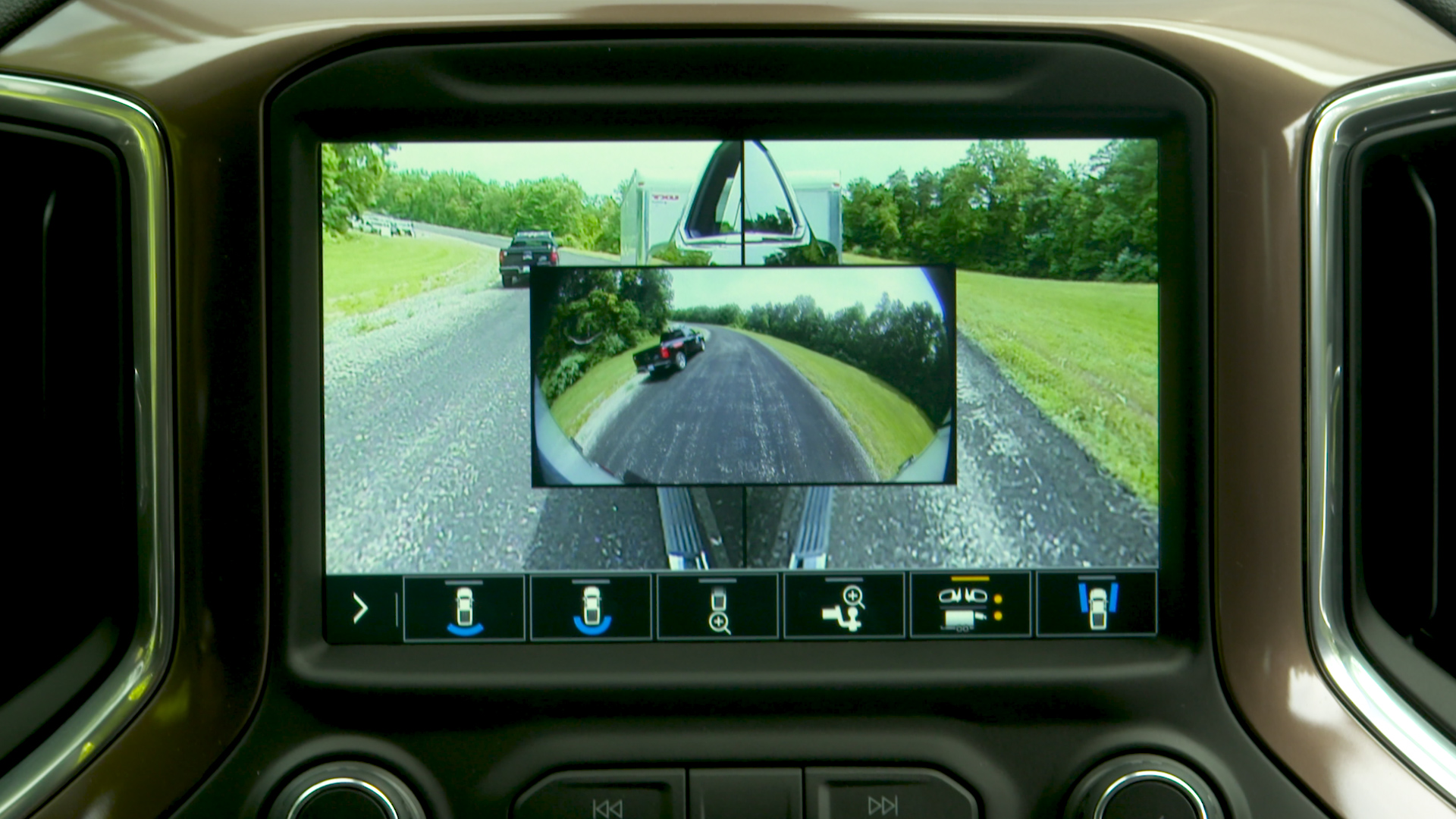 2019 Chevrolet Silverado 1500 Gets Advanced Towing features new rear camera