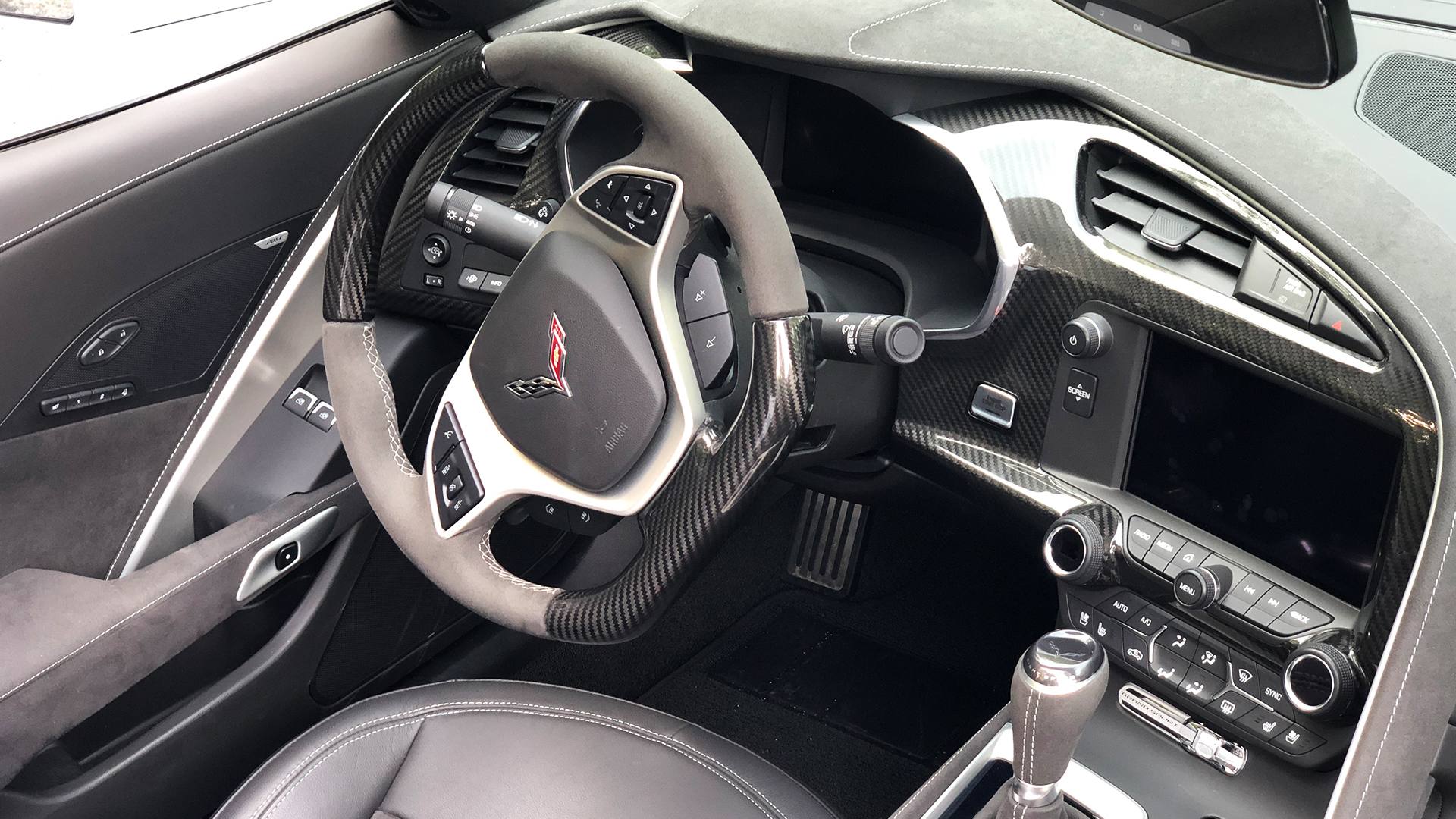 2019 Chevrolet Corvette Grand Sport Convertible interior picture